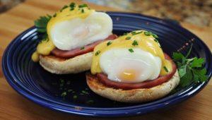 huevos pochados o escalfado