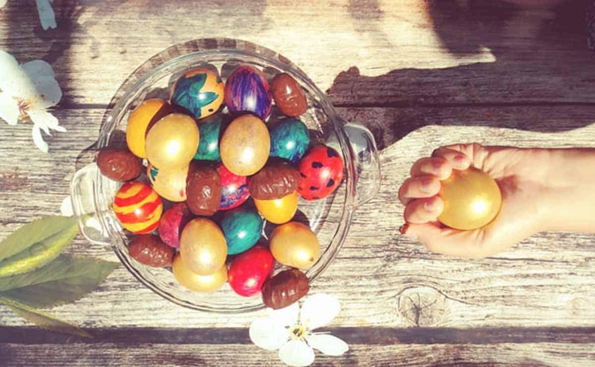 huevos de pascua o easter eggs