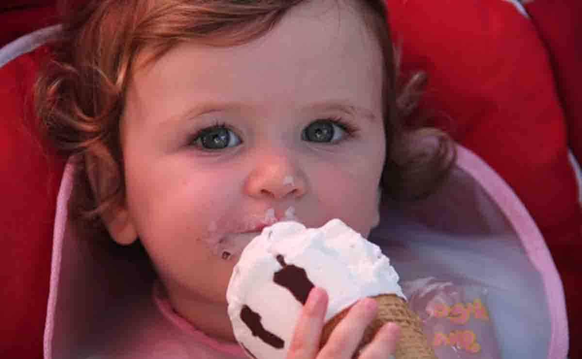 Cómo y cuándo darle por primera vez huevos a tu bebé